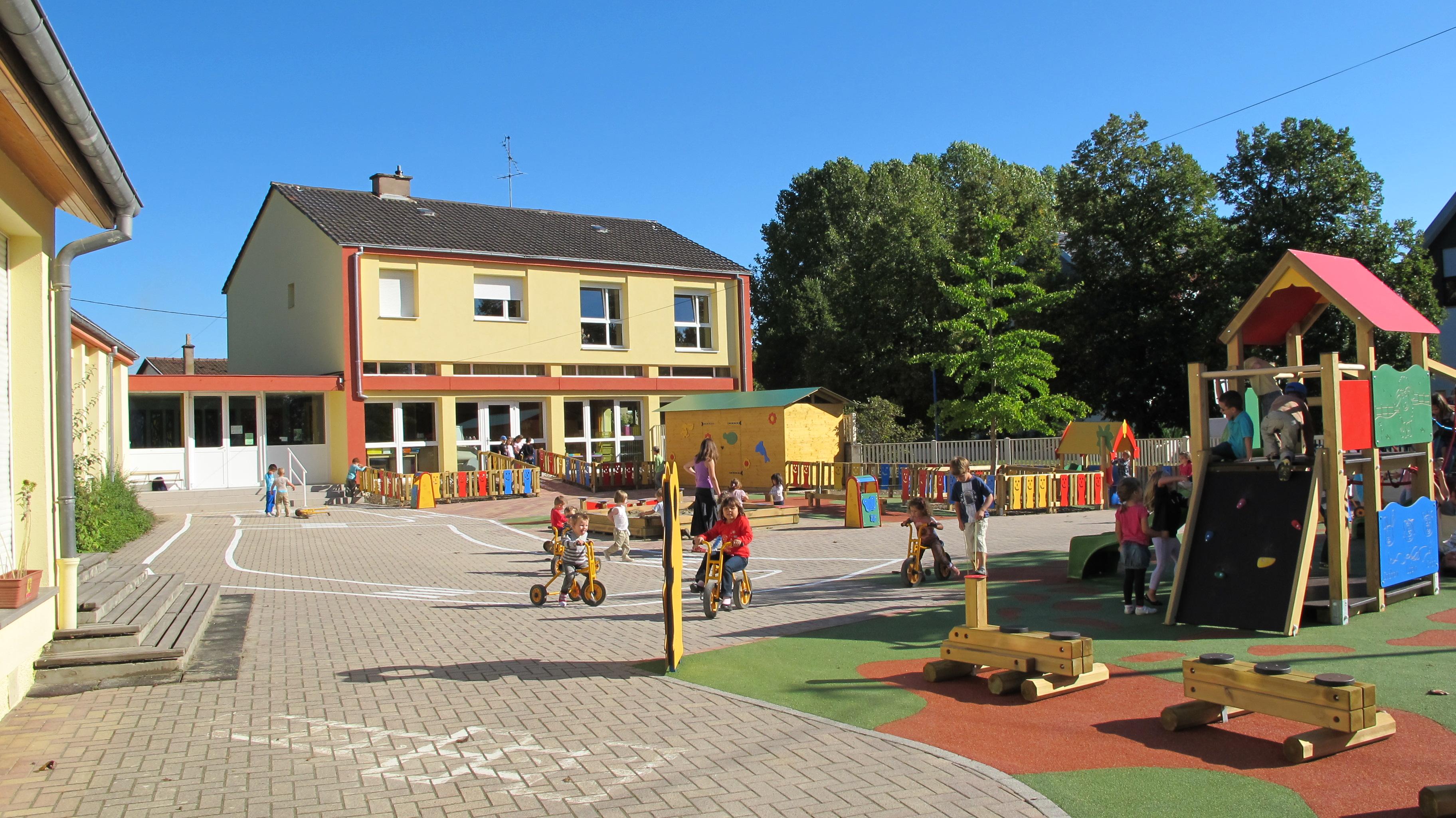 Ecole maternelle les hirondelles commune d 39 eschau - Image d ecole maternelle ...